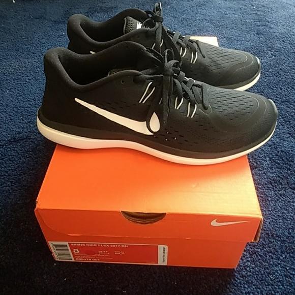 18aaef358540d3 NIB Nike Flex 2017 RN Women s Running Shoe NWT
